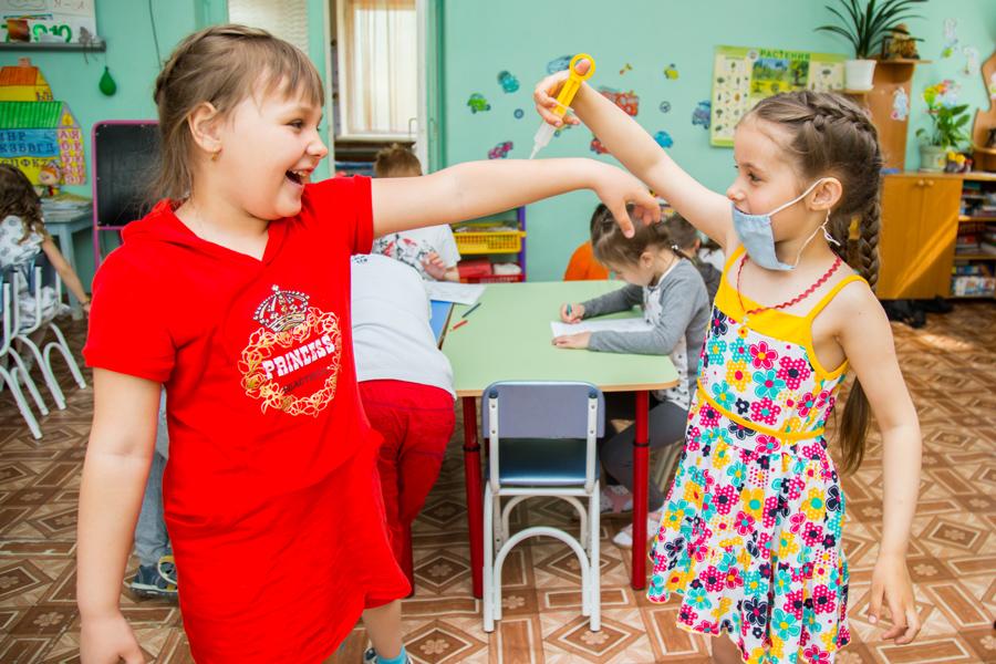 Сюжетная фотосъемка в детском саду. Игра в доктора.